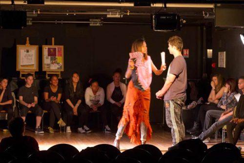 Représentation cours de theatre ados de la Compagnie de la Feuille d'Or à Gentilly
