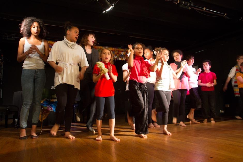 atelier de theatre enfants de la Compagnie de la Feuille d'Or à Paris
